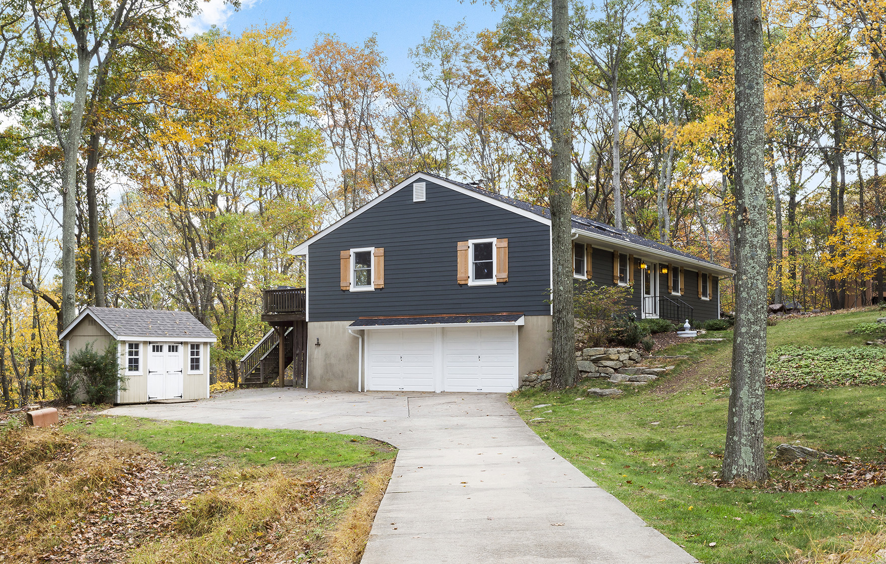 01 5 Lenore Road Tewksbury Township — Front View