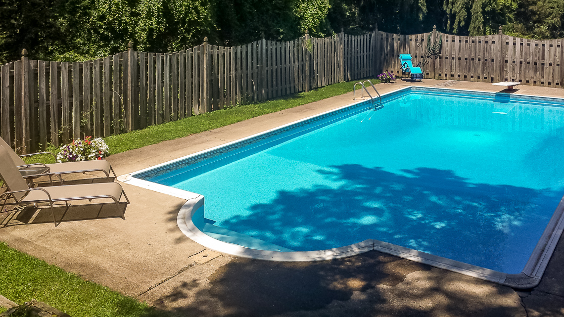 17 62 Potterstown Road — Pool