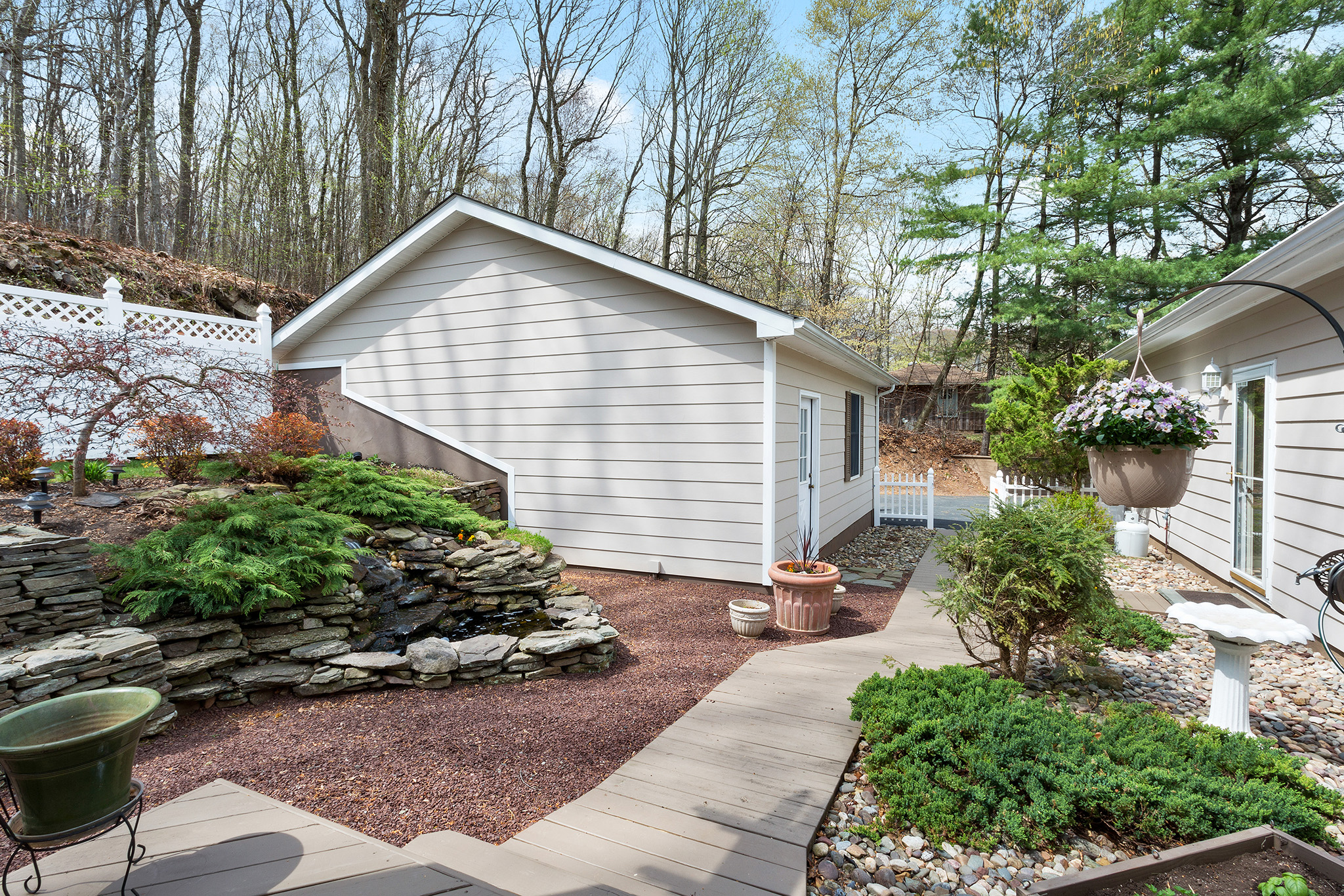 20 32 Spring Hill Rd, Franklin Township — Deck2
