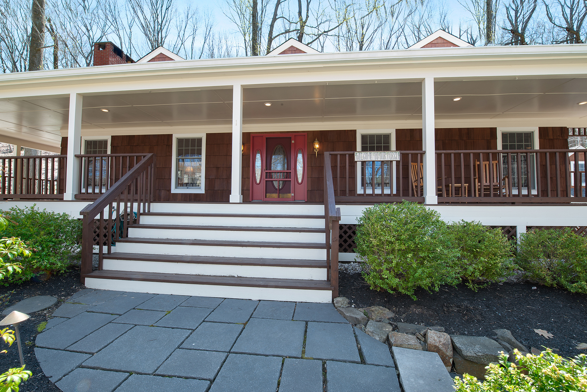21 Dinner Pot Road, Tewksbury –front porch (deleted 544fbdf080f1a079caac7254a8a9bc54)