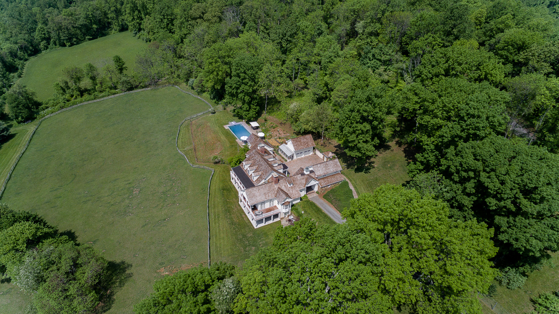 41 Fox Feather Farm — drone home with courtyard