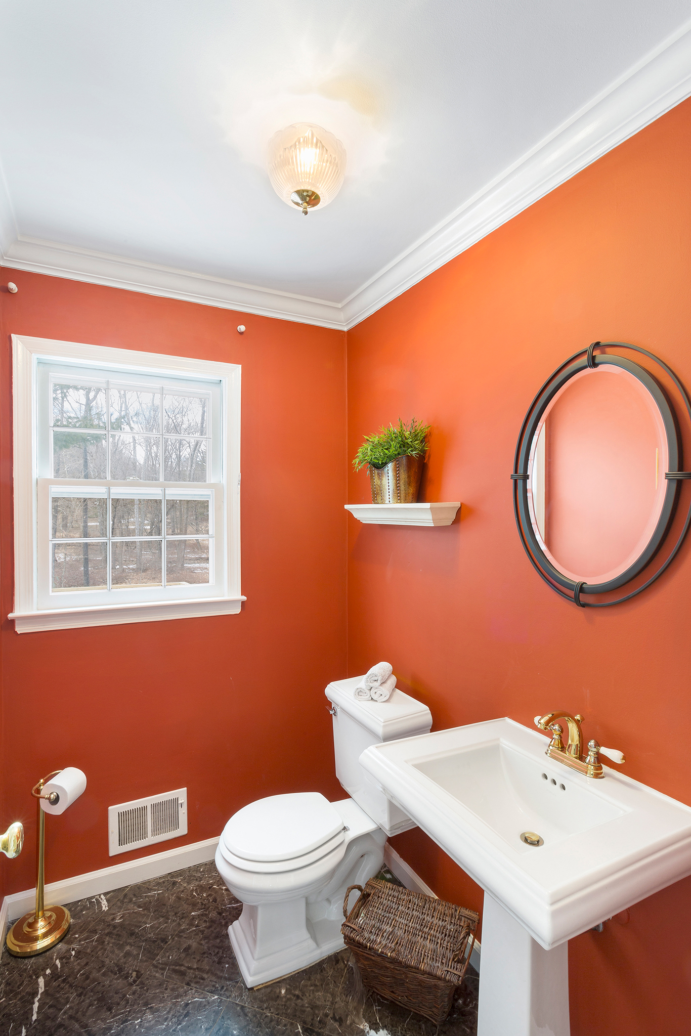 09 14 Keats Road Tewksbury Township — Powder Room
