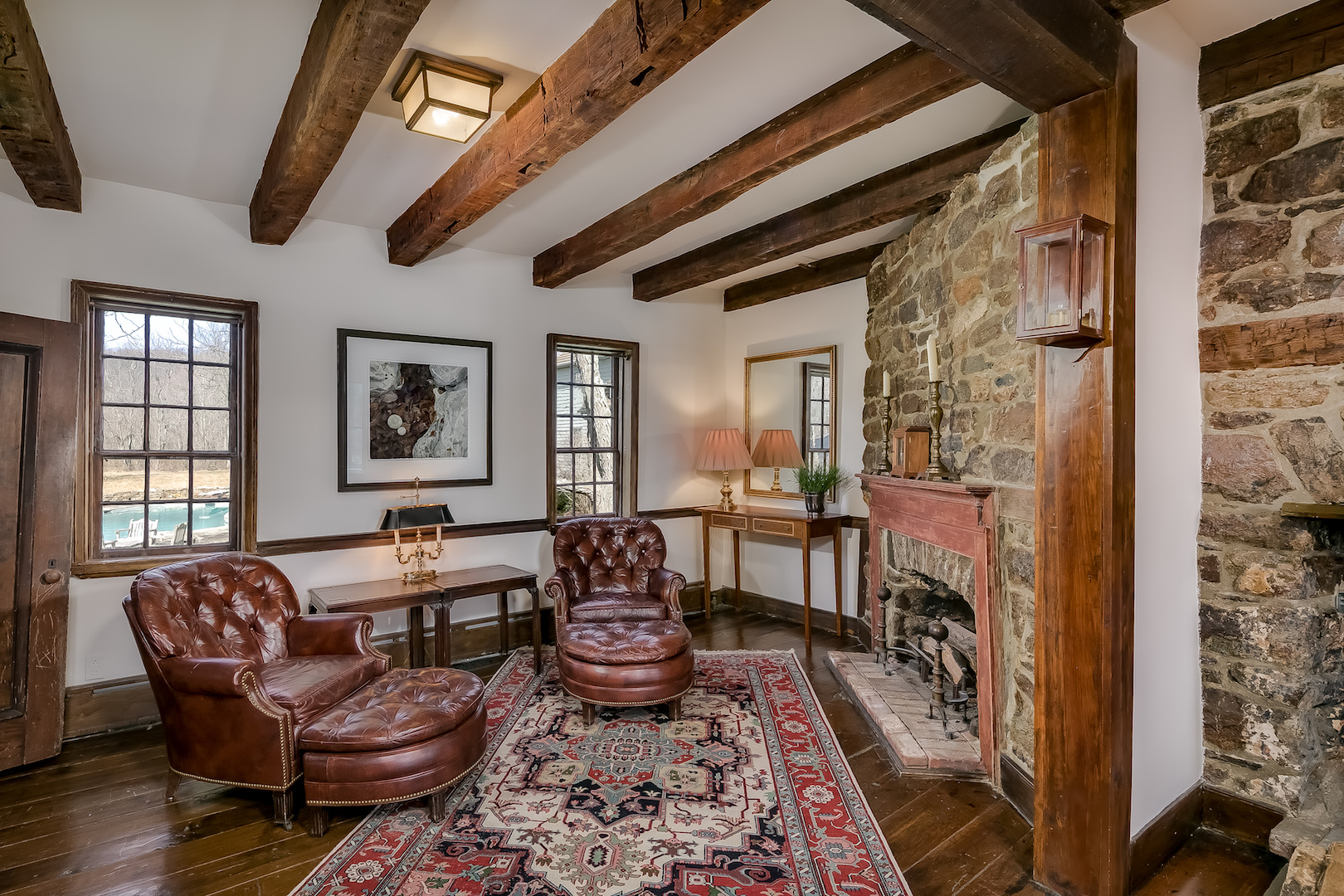 11 422 West Mill Road Washington Township — den from dining room