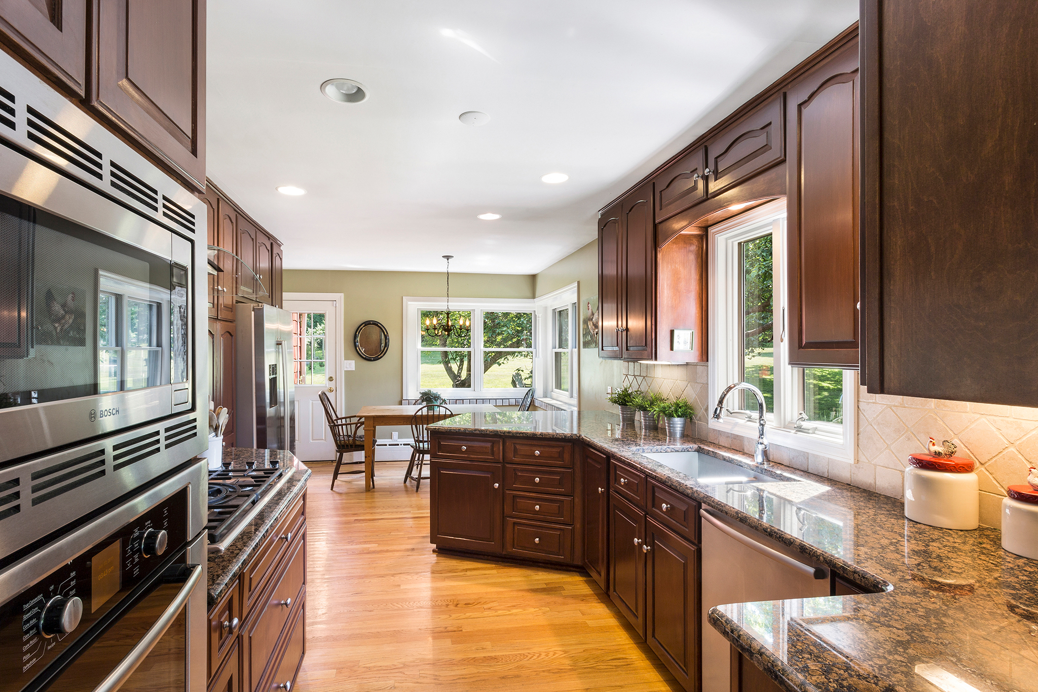 03 7 Scarlet Oak Road Tewksury Township — Kitchen