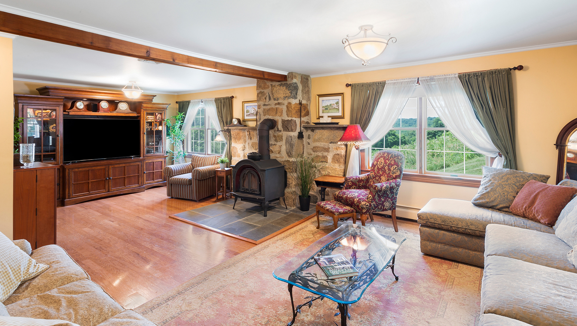 07 43 Hoffmans Crossing Road Lebanon Township –family room 2