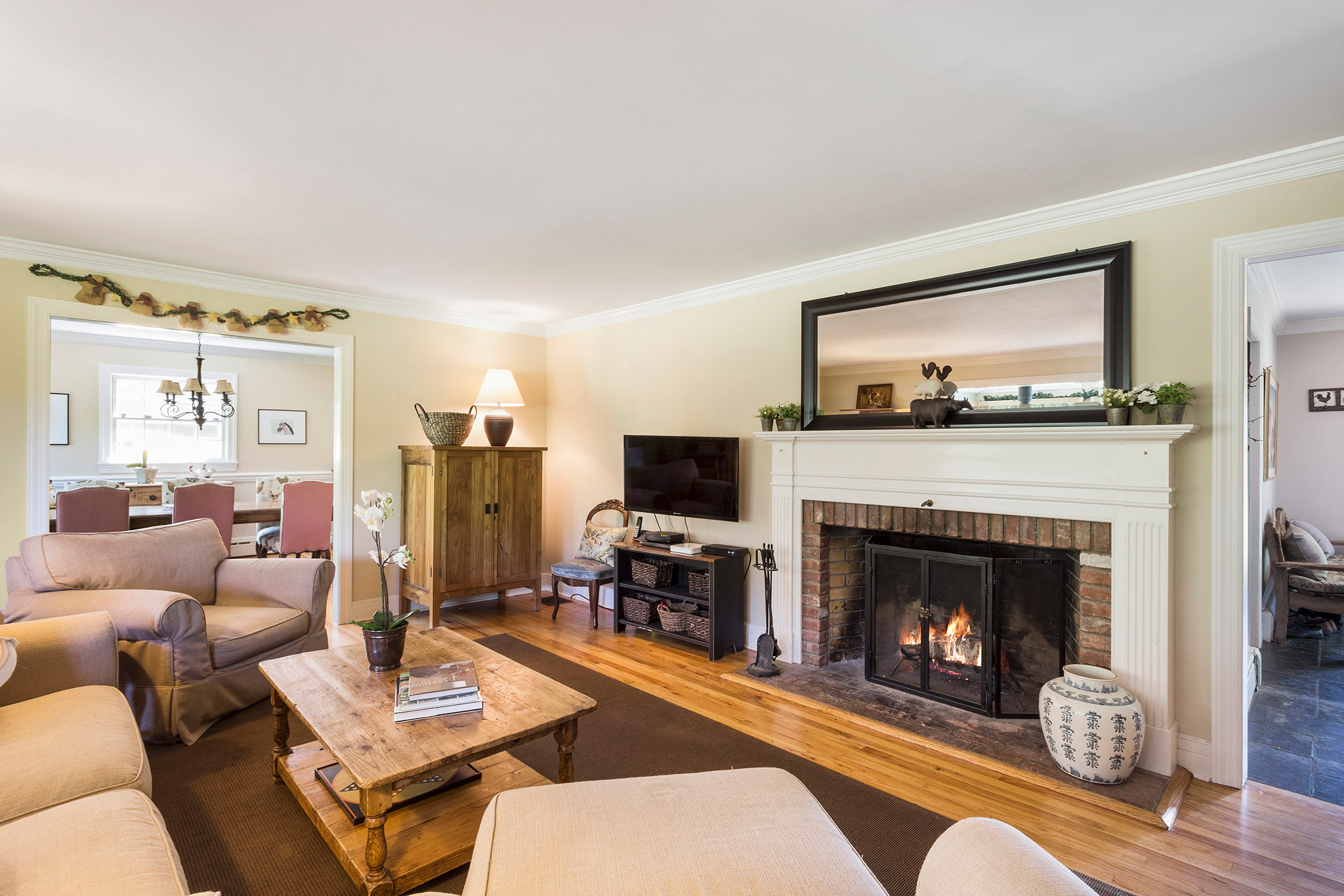 07 7 Scarlet Oak Road Tewksury Township — Family Room 1
