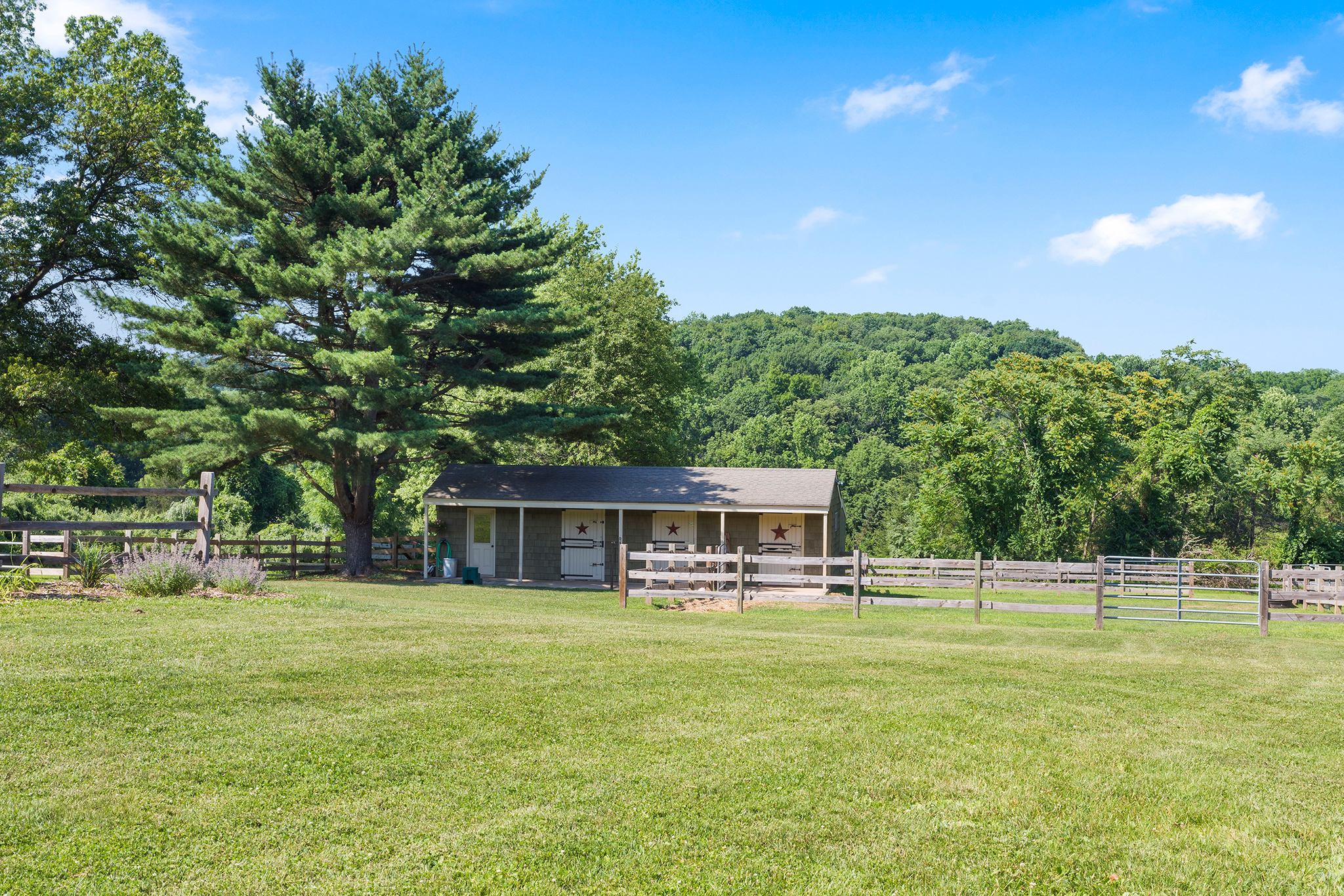 15 7 Scarlet Oak Road Tewksury Township — Barn