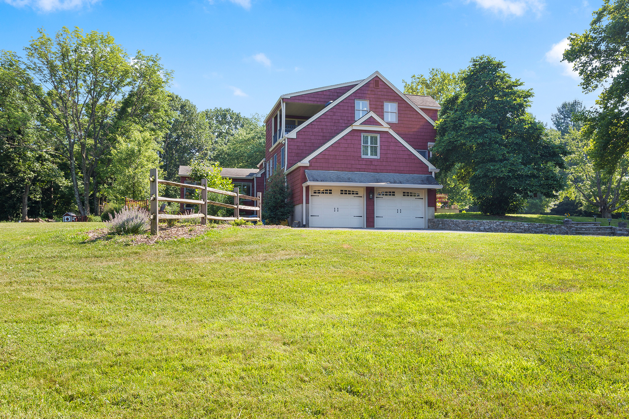21 7 Scarlet Oak Road Tewksury Township — Side View