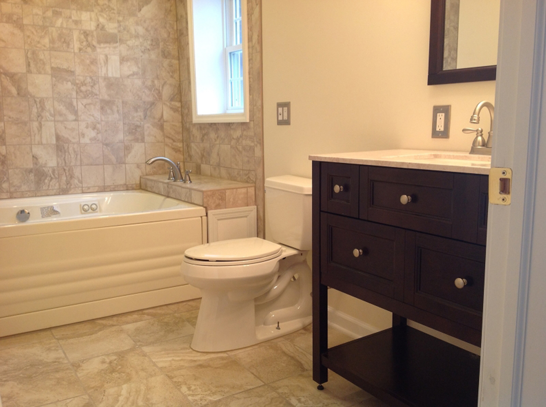 11 16 High View Street — renovated bathroom