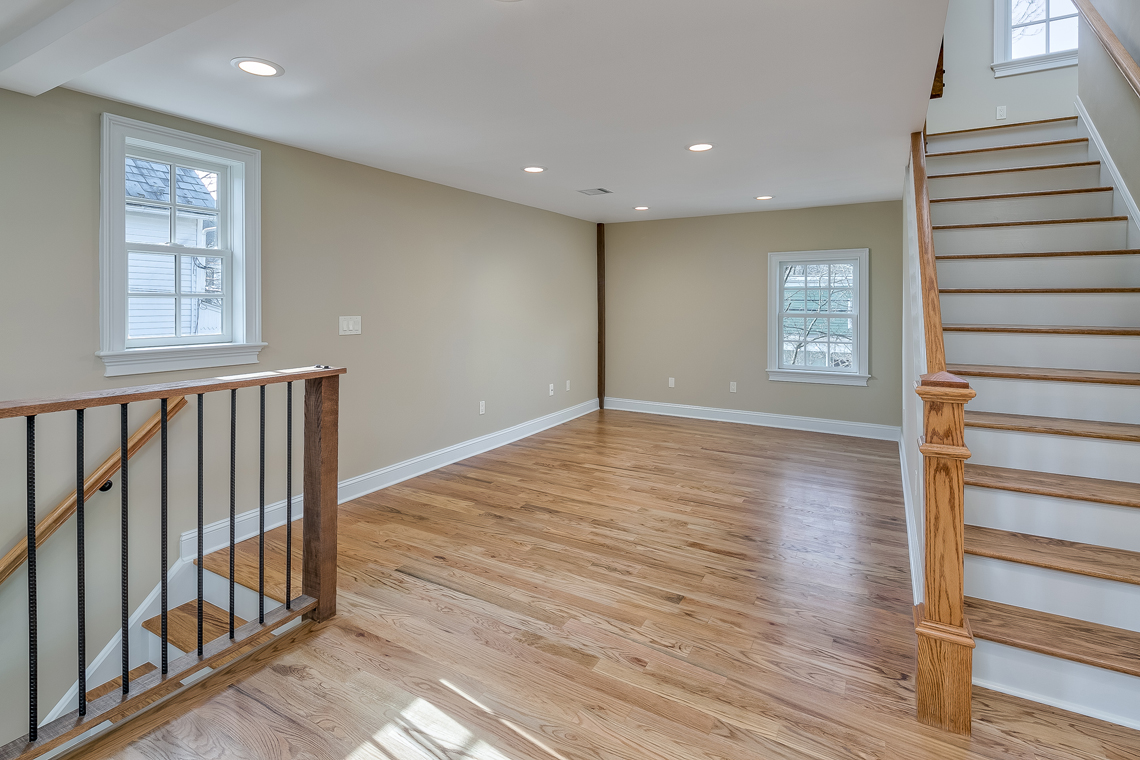 15 46 Old Turnpike Road — living room and stairs