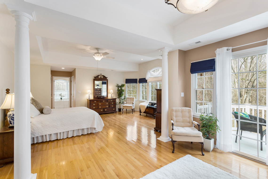 14 3 Fairway Drive Whitehouse Station Readington Township — master bedroom sitting room and deck