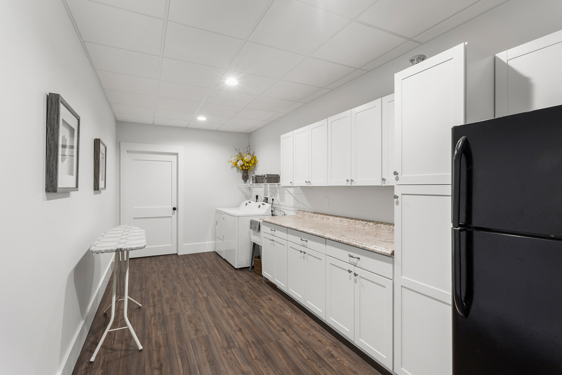 21 15 Guinea Hollow Road Tewksbury Township — laundry room