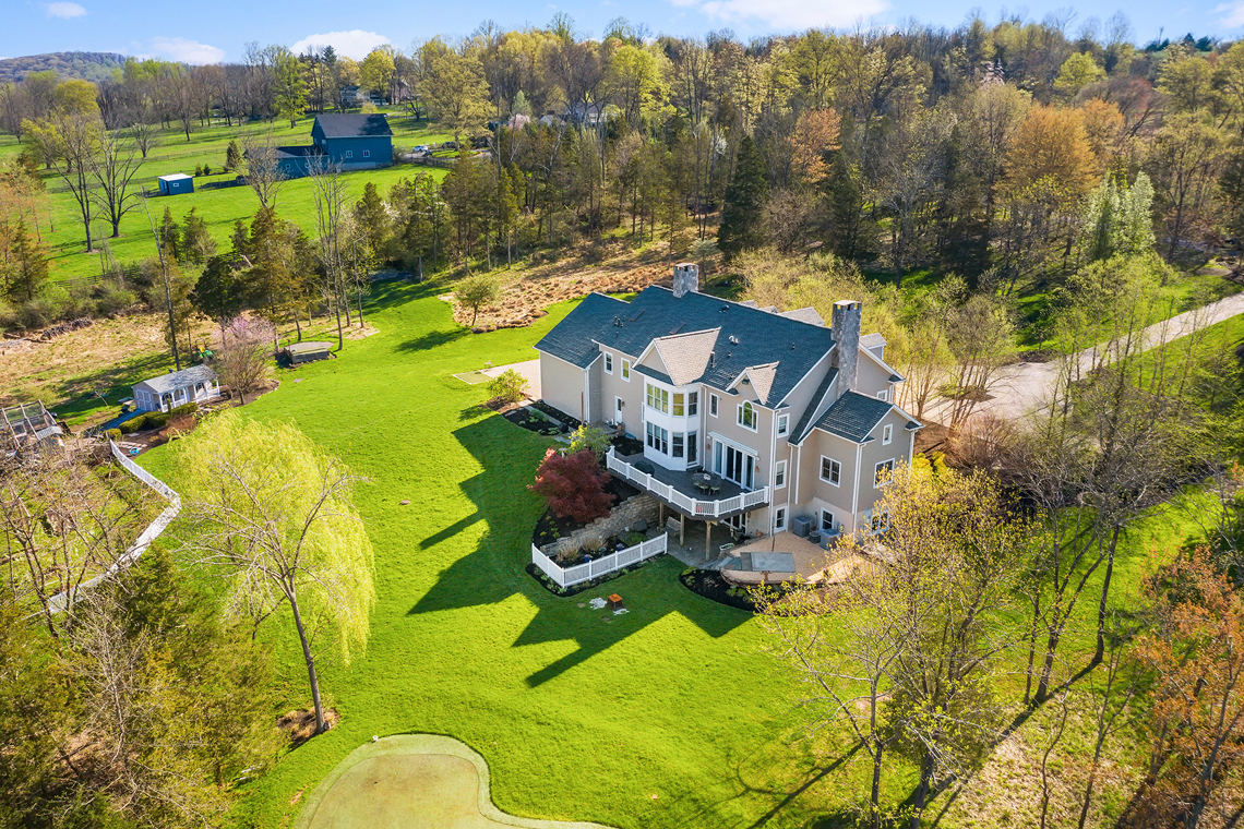 25b 30 Homestead Road Tewksbury Township — aerial rear with green