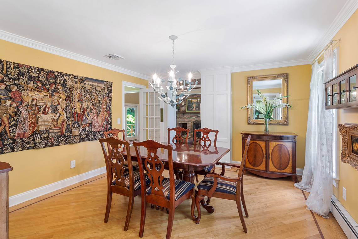 10 27 Sierra Drive Long Valley Washington Township Morris County — dining room from foyer