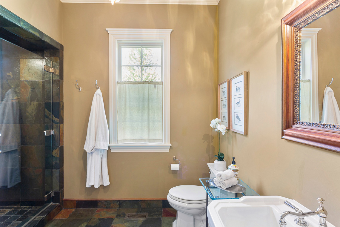 09 31 Welsh Road Tewksbury Township NJ — first floor bathroom