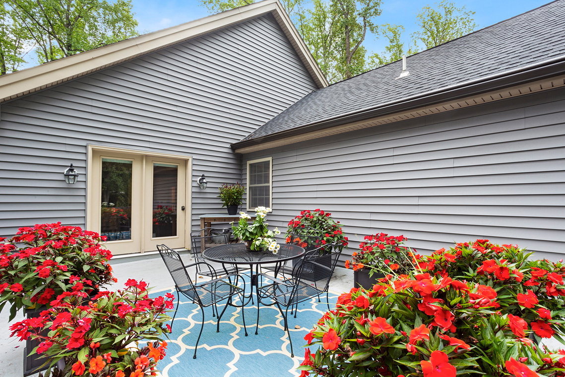 15 14 Old Mine Road Tewksbury Township — Master Patio