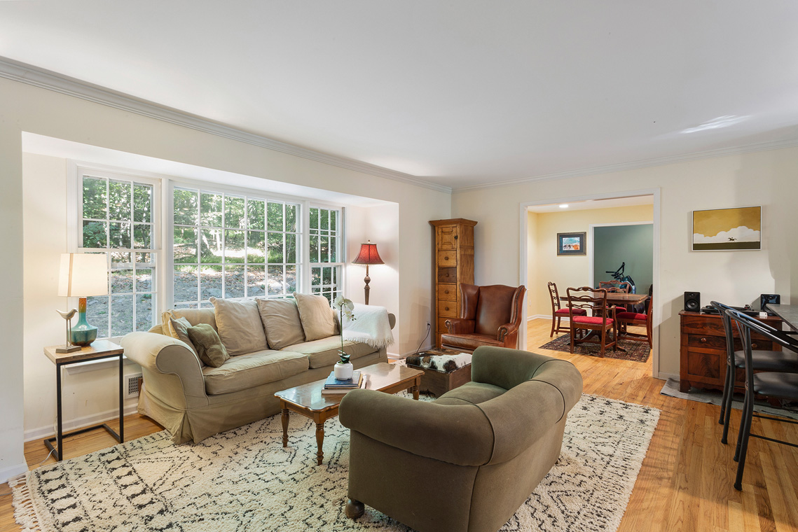 04 20 Big Spring Road Tewksbury Township — Living Room 2